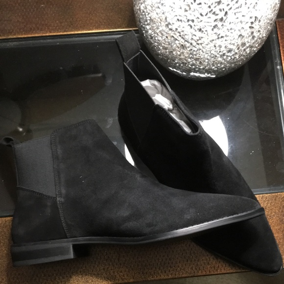 Atom Suede Chelsea Boots Size